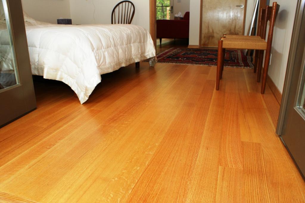 Wood flooring quarter rift or plain sawn what 39 s the for Red oak flooring